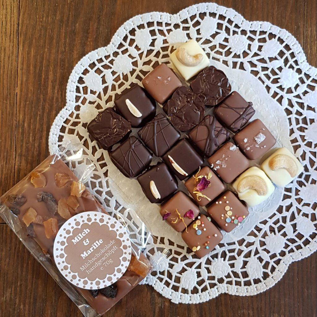 Naschlust: 200g Pralinen und 1 Tafel Schokolade
